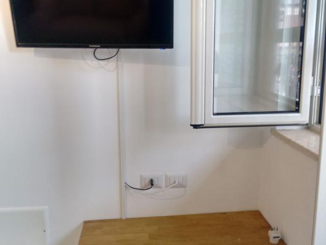 Tv 32'' in cucina soggiorno